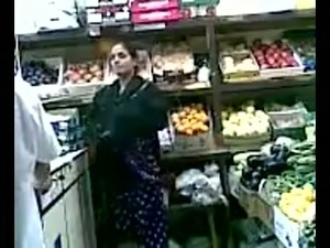 Amateur Pakistani seller fucks his regular customer's pussy from behind