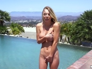 Natural boobs diva shaved pussy screwed hardcore outdoor