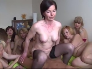 SEX MILF PARTY