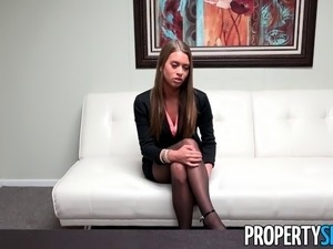 Beautiful Jill Kassidy wants to be a real estate agent