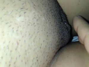 Masturbate to orgasm (fingered)