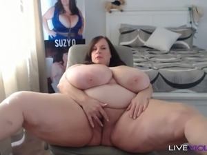 Sluttiest mature cam slut with big all natural 44 m cup tits is masturbating