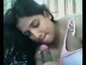 My nasty Malayali girlfriend really knows how to give a great blowjob