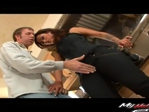 Sexy housewife attacks a plumber for a great shagging session