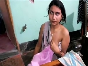Indian amateur housewife flashed tits and gets fucked missionary style