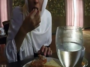 Cute muslim and arab student anal xxx Hungry Woman Gets Food and Fuck