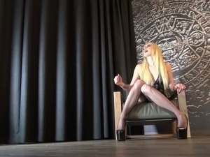 Mandy Slim is a sex crazed mistress and she is the one in charge