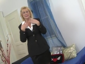 Granny s old cunt asking for young cock
