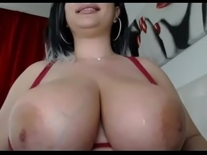 Amazing big natural tits babe free titjob tease live webcam