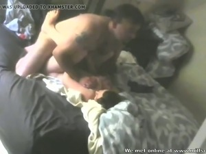 Banging a horny MILF in her wet cunt missionary style