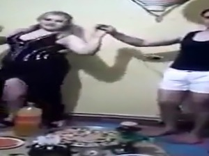iraq sexy dance couple home