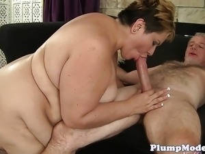 Dicksucking ssbbw enjoys getting fucked