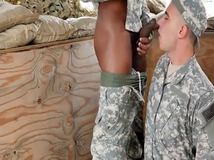 Amateur soldiers cocksucking and drilling ass