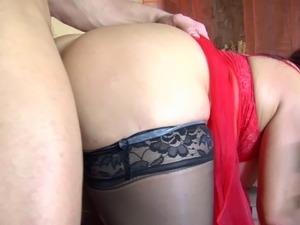 Young Boy Fucks sexy Mom Anal