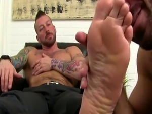 Porn mane gay movie and male human toilet video Hugh Hunter Worshiped