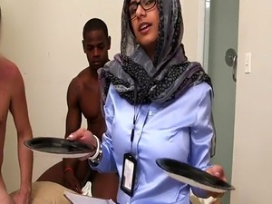 Arab mom big ass Black vs White  My Ultimate Dick Challenge.