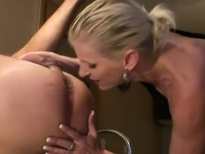 Blonde amateur girl blowjob and fucking to cumshot in face