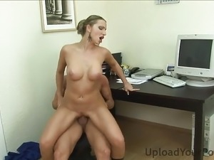 Horny Boss Wants My Cunt