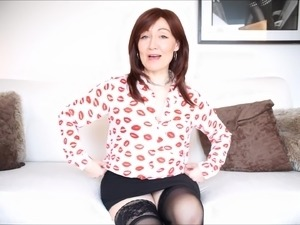 Pretty MILF Kitty Creamer spreads her legs for a fuck