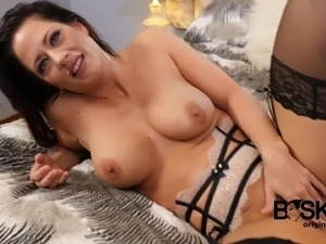 Solo model Holy Heart fingering her pussy seductively