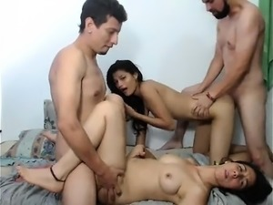 Amateur party blowjob babe sucking dick with group