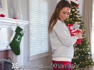 PASSION-HD Christmas fuck after Riley Reid opens gift