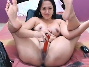 Big assed anal booty fetish slut toying deep in her ass