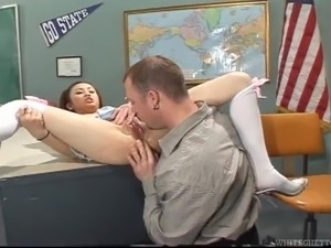 Asian college girl Tia Tanaka gets her mouth and twat fucked deep