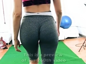 INCREDIBLE BODY Working Out Perfect ROUND ASS and CAMELTOE