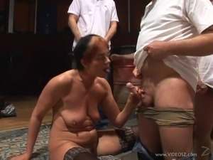 Jizzhut old woman gangbang