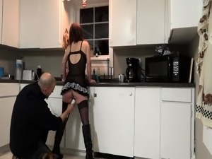 Redhead Shannon fingering on home webcam
