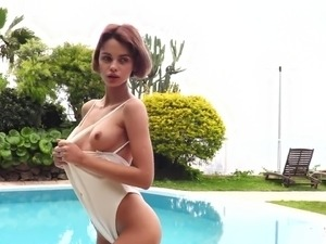 All alone svelte beauty Ariela is ready to pet her own pussy outdoors