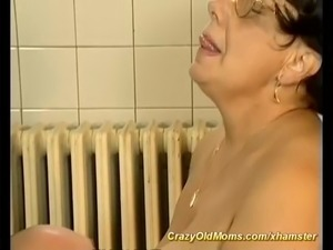 bbw mom needs a hot massage with happy end