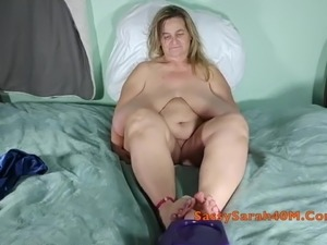 Saggy tits Granny using her feet