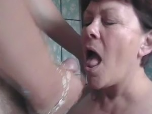 Short-haired mom lets me toy and fist her cunt in homemade video