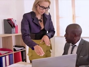 Veronica Leal Squirting Secretary